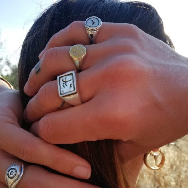 Bau animal signet ring