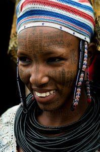 puel tribe benin tattoo woman