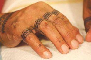 Inuit tattoo hand