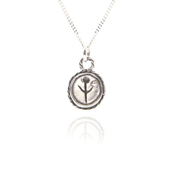 empanda family charm necklace