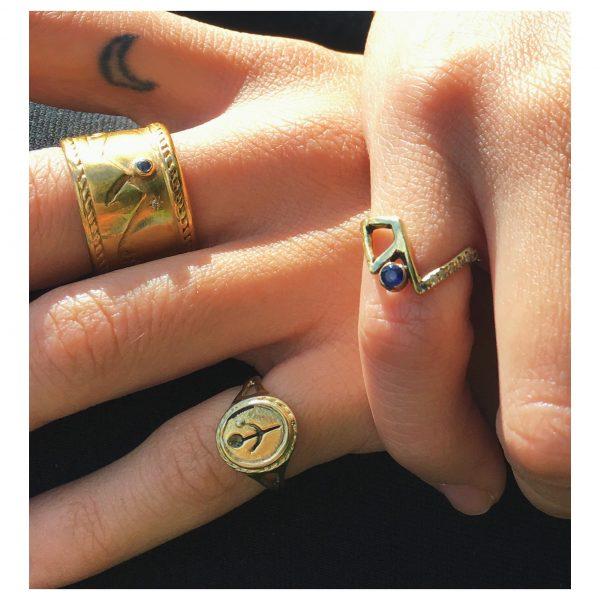 Empanda signet ring